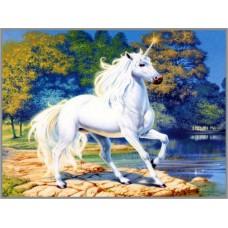 N-272 Картина (Единорог у синего озера) Алмазная мозаика 20x27см, 23 цвета